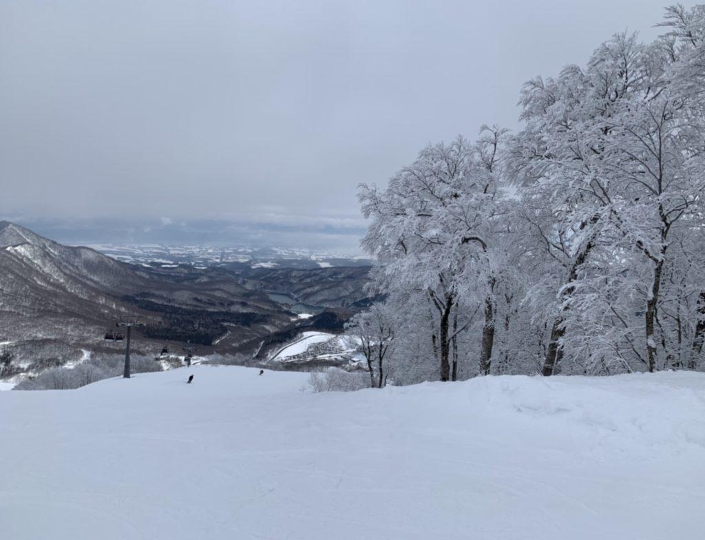 夏油高原スキー場 A1コース上部