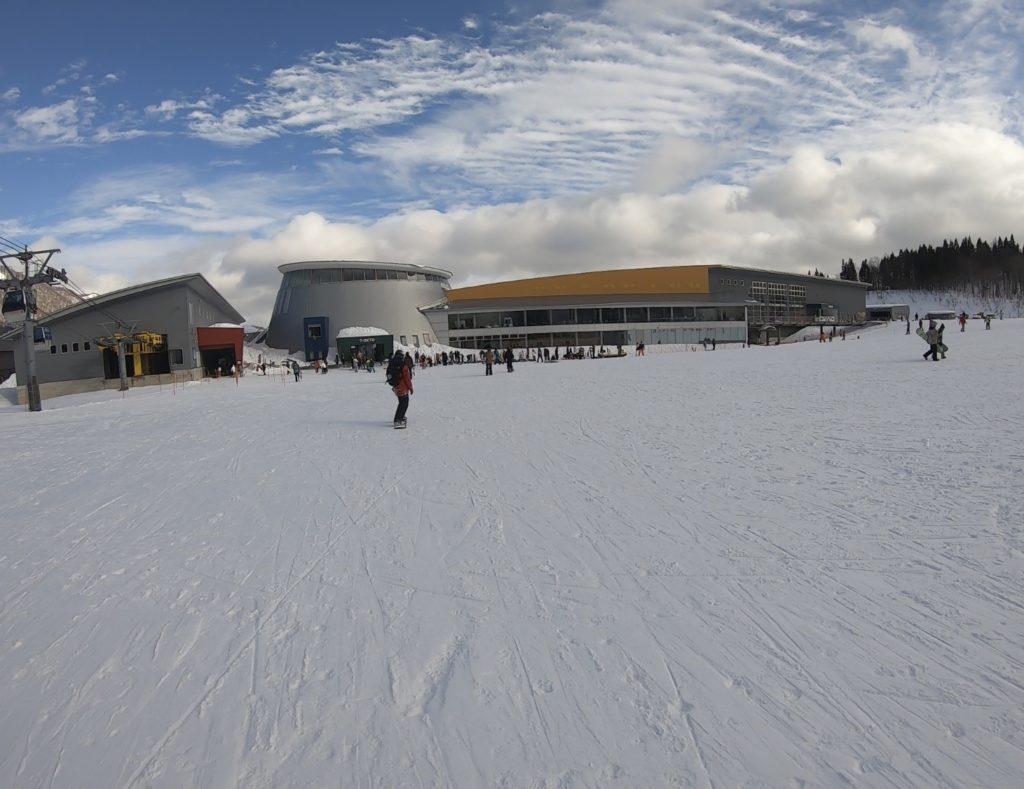 夏油高原スキー場 ゴンドラ乗り場 センターハウス