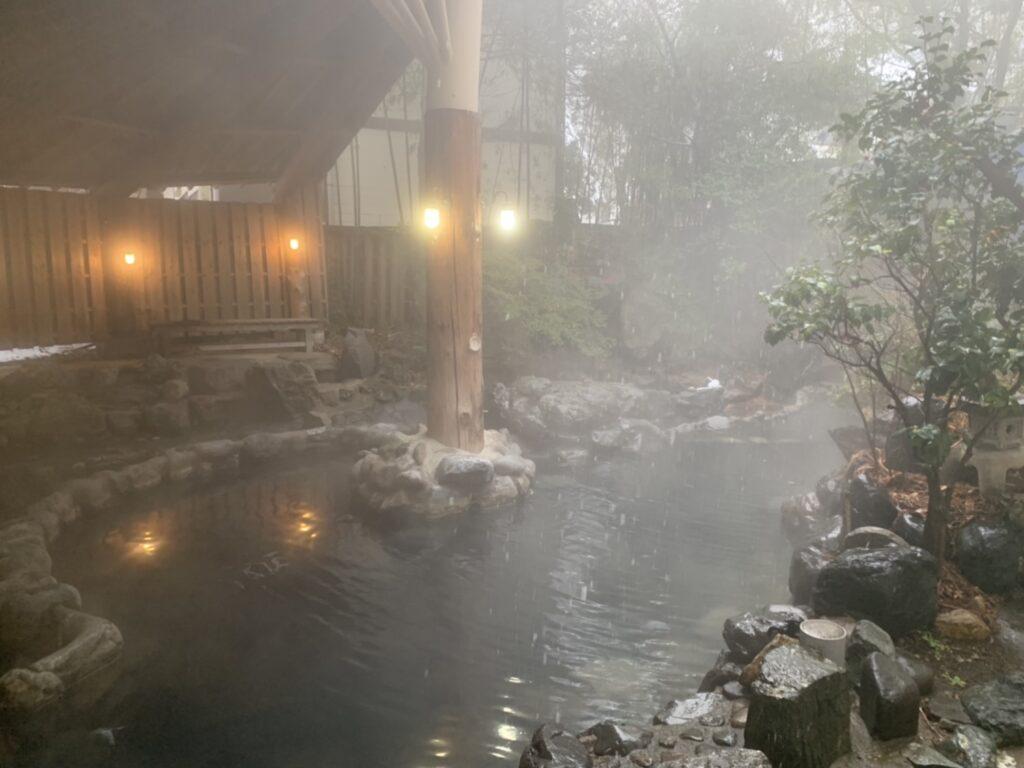伊東園ホテル 尾瀬老神山楽荘 別館温泉 野天風呂