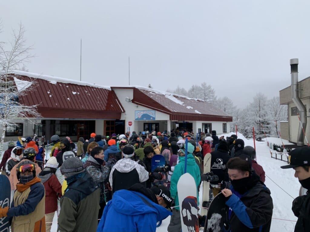 丸沼高原スキー場 ゴンドラ乗り場 待ち状況