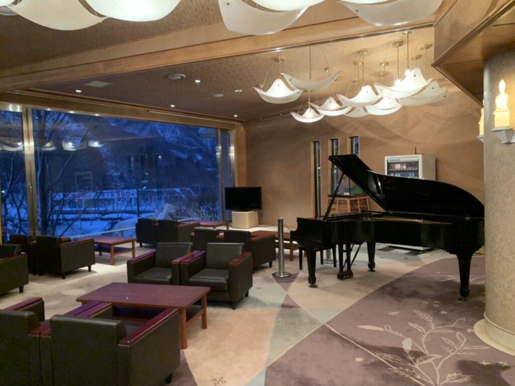 湯の陣 ロビー ピアノ
